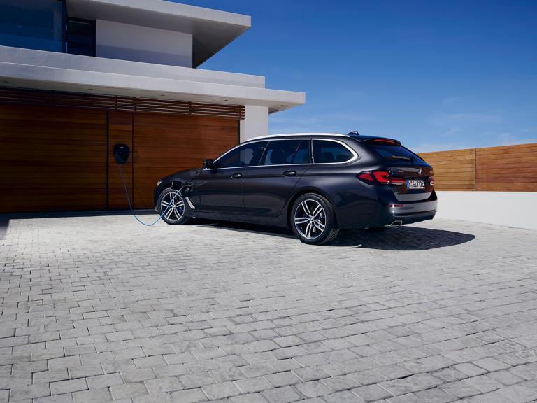 BMW1 011120